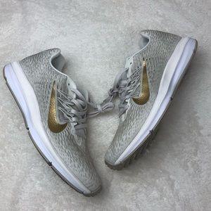 Nike women's zoom winflo 5 sneakers NEW US 9